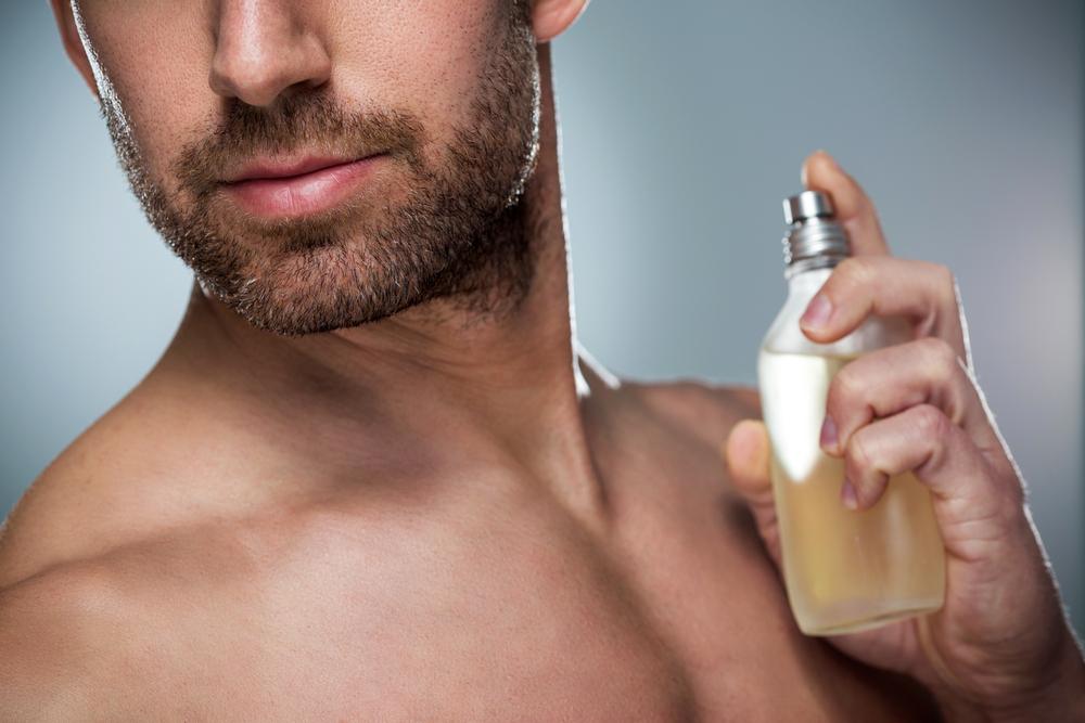 Tips Memakai Parfum Pria Agar Tampilan Maksimal 453ce81667